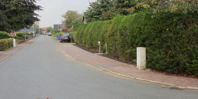 Siedlungsstraße Fußweg
